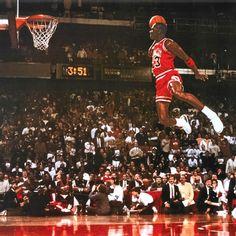 Chicago Bulls Michael Jordan Slam Dunk NBA Poster - Basketball Home Decor Michael Jordan Poster, Michael Jordan Slam Dunk, Michael Jordan Chicago Bulls, Jordan 23, Jordan Nike, Michael Jordan Pictures, Jordan Bulls, Michael Jordan Basketball, Sport Basketball
