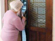 """Carabinieri """"prof"""" insegnano agli anziani come evitare le truffe"""