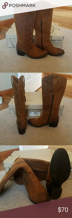 Brown leather Cowgirl boots Never worn brown leather Born boots Born Shoes Heeled Boots