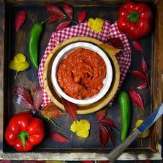 Ajvar (ajwar), bałkańska pasta warzywna Lovers, Vegetables, Food, Diet, Essen, Vegetable Recipes, Meals, Yemek, Veggies