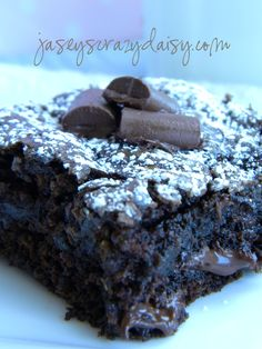 Chocolate Chunk Zucchini Brownies {with a gluten free recipe option} | Jasey's Crazy Daisy