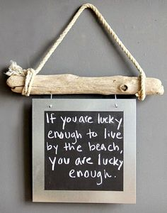 Make a Driftwood Sign! DIY Ideas for Driftwood Signs with Words, Sayings and Quotes: http://www.completely-coastal.com/2015/01/diy-driftwood-sign-ideas.html