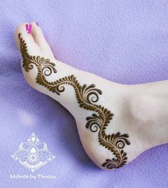 "4,280 Likes, 27 Comments - Mehndi by Theresa (@mehndi_by_theresa) on Instagram: ""The feet design before i put the dots Also very nice and simple beautiful  #mehndi #henna…"""