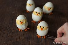 Skip the plain old deviled eggs for these adorable hatching chicks. They're sure to be the hit of your Easter brunch Easter Appetizers, Appetizers For Party, Appetizer Recipes, Easter Recipes, Egg Recipes, Salad Recipes, Recipies, Poulet Caprese, Chick Deviled Eggs Recipe