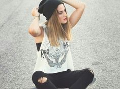 Cute Hipster Outfits For Girls: As you can see cute hipster outfits celebrate the unique and individual person you are. But before you let yourself go berserk with cute hipster outfits, do consider what touches will work with the way you look. Mode Hipster, Hipster Girls, Hipster Fashion, Grunge Fashion, Cute Fashion, Urban Fashion, Girl Fashion, Fashion Outfits, Tumblr Hipster