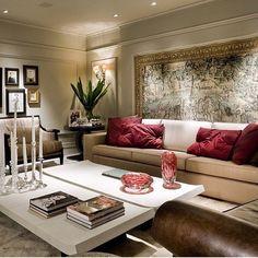 Sofisticação.... Requinte.... Elegância.... Muita harmonia... enfim..., Perfeito!!! By @maaiarquitetura #ambiente #archdesign #arquitetura #archdecor #archlovers #arquiteturadeinteriores #homedesign #homedecor #homestyle #home #iluminação #interiores #living #saladeestar #instahome #instadecor #instadesign #interiordesign #style #design #detalhes #produção #decoreseuestilo #desingdecor #decoraçãodeinteriores #decorhome #decordesign #decorando #decorlovers  #luxury