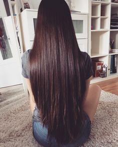 Almost looks like a Deep Violet color. Long Brown Hair, Long Wavy Hair, Very Long Hair, Haircuts For Long Hair, Straight Hairstyles, Cut My Hair, Hair Cuts, Long Hair Highlights, Hair Addiction
