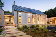 Glorious Modern Farmhouse In Dallas, Texas (12 HQ Pictures) | Metal Building Homes