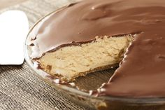 Choc-Peanut Butter Protein Pie – Kayla Itsines Ingredients: Crust: ½ cup cashews ½ cup walnuts 1 tbsp honey 1 tsp vanilla extract 8 dates, pitted 2 Tbs Cacao Powder Filling: ½ cup of natural peanut butter 2 scoops of Whey Protein Isolate (Peanut flavoured) or 60g of powdered peanut butter ½ cup Cottage Cheese ½ cup natural yogurt 2 Tbs Unsweetened Almond Milk 1 tsp Coconut Oil 2 Tbs Maple Syrup 1 tsp vanilla extract Chocolate Topping: 2 tbs coconut oil, melted 1 tbs maple syrup 2 tbs raw…