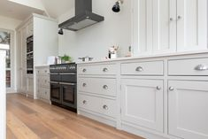 ILANGA KITCHEN | Shere Kitchens - beautiful kitchens handmade in Shere Guildford Surrey