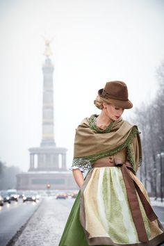 German Fashion, Russian Fashion, Japanese Fashion, Oktoberfest Outfit, German Girls, High Street Fashion, Cartoon Outfits, Berlin, Folk Fashion