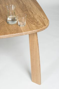 Stone table - detail of leg - design Sylvain Willenz for Quodes