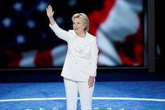 Hillary Clinton acepta nominación para convertirse en la primera presidenta de EE.UU.