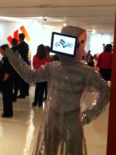 Have you hugged a KI Eye Droid today? #neocon12 #neoconography  -- @KItweets