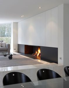Wonderful Totally Free Contemporary Fireplace with tv Suggestions Modern fireplace designs can cover a broader category compared for their contemporary counterparts. Casa Milano, Interior Minimalista, Fireplace Design, Fireplace Modern, Simple Fireplace, Farmhouse Fireplace, Open Fireplace, Living Room With Fireplace, Contemporary Bedroom
