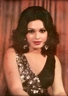 Perveen Babi Actress Priyanka, Bollywood Actress, Parveen Babi, Legendary Pictures, Bollywood Outfits, Vintage Bollywood, Golden Star, Old Actress, Bollywood Stars