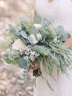 15 Stunning Greenery Wedding Bouquets   TheKnot.com