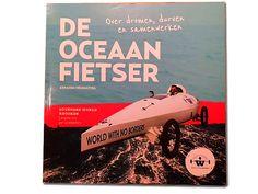 Ebrahim Hemmatnia: oceaanfietser en continenten bedwinger beschrijft in zijn boek de tocht en zijn droom... een wereld zonder grenzen en onderwijs voor iedereen. Marjolijn reviewt. http://www.mamsatwork.nl/2016/06/08/ebrahim-hemmatnia-oceaanfietser/