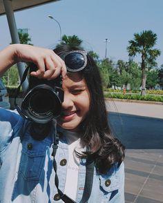 Ada Wong, Kawaii Crochet, Snapchat Girls, Casual Hijab Outfit, Indonesian Girls, Havana, My Idol, Round Sunglasses, Cute