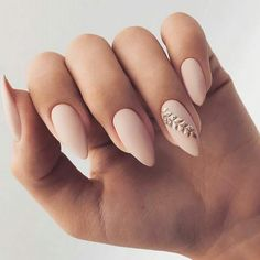The advantage of the gel is that it allows you to enjoy your French manicure for a long time. There are four different ways to make a French manicure on gel nails. The choice depends on the experience of the nail stylist… Continue Reading → Nude Nails, Matte Nails, Nail Manicure, My Nails, Matte Gold, White Gold Nails, White Toenails, Black Nail, White Nail