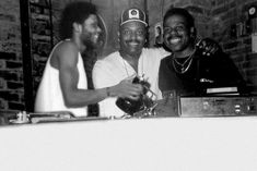 Larry Levan, Frankie Knuckles & Tee Scott hanging out Night Club, Night Life, Larry Levan, Frankie Knuckles, Paradise Garage, Detroit Techno, Dj Booth, Vinyl Music, Northern Soul