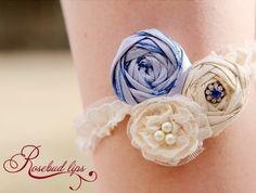 Rosebud Lips garter