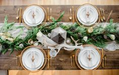 Easy holiday tables for your winter wedding by Alisa Lewis Event Design #Winter #Wedding #Decor
