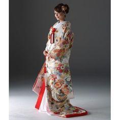 KYOKANE WEDDING(キョウカネ ウエディング):【人気の淡い色新作登場!!】白きりばめの打掛 Japanese Wife, Japanese Kimono, Japanese Wedding, Japanese Brides, Traditional Wedding Dresses, Traditional Outfits, Korea Dress, Snow Wedding, Wedding Kimono