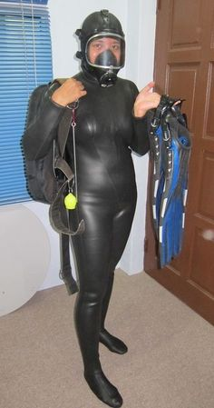 Gas Masks, Scuba Gear, Womens Wetsuit, Latex Catsuit, Smooth Skin, Snorkeling, Scuba Diving, Outfit, Surfing