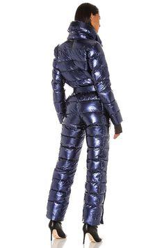 Puffer Jackets, Winter Jackets, Ski Jumpsuit, Vinyl Trousers, Down Suit, Snow Fashion, Women's Fashion, Winter Suit, Womens Wetsuit