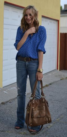 Fashion blogger Casual Glamorous wears linea pelle dylan handbag and vintage belt