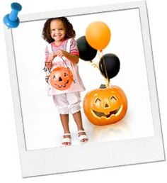 Really like that pumpkin and balloon idea perfect for showing which house it is for Chloe's Party. Halloween Class Party, Haunted Halloween, Halloween Games, Halloween Birthday, Halloween Kids, Halloween Make Up, Birthday Box, Birthday Treats, Birthday Parties