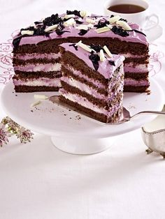 Our popular recipe for chocolate blackberry pie and over more free recipes on LECKER. Baking Recipes, Cake Recipes, Dessert Recipes, The Joy Of Baking, Blackberry Cake, Sweets Cake, Occasion Cakes, Savoury Cake, Sweet Desserts