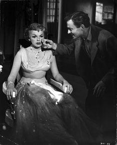 Judy Garland, A STAR IS BORN (1954)