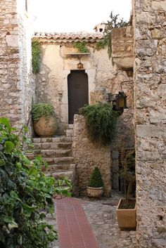 Tuscan style – Mediterranean Home Decor Outdoor Spaces, Outdoor Living, Outdoor Decor, Exterior Design, Interior And Exterior, Beautiful Homes, Beautiful Places, Deco Champetre, Casa Patio