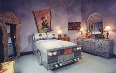 a Harry Potter bedroom?  It's my dream!  Perfect right down to the mirror of erised in the corner