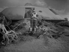 The robot, as it appeared in the first season of the TV series, Lost in Space. Space Tv Series, Space Tv Shows, Sci Fi Tv Shows, Old Tv Shows, 2001 A Space Odyssey, Lost In Space, Retro Futuristic, Sci Fi Movies, Classic Tv