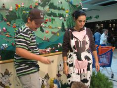 Nos animateurs une équipe professionnelle pour égayer vos événements www.animation-centre-commercial.com Centre Commercial, Apron, Aprons