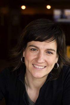El  9 de octubre del 2013 la escritora Karmele Jaio participó en la actividad Letras para el arte, ofreciendo su visión particular sobre la obra El que no oye, la que no ve. ¿Hay una parte del habla que no le puede ser explicada o no le puede ser descrita? de Eva Lootz.