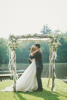 Dress Designer: Jim Hjelm Flowers & Veil or Hair Accessories: Plenty of Posies