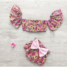 New baby dress pink girl outfits Ideas 1st Birthday Outfits, Baby 1st Birthday, Floral Romper, Baby Girl Fashion, Kids Fashion, New Baby Dress, Cute Baby Clothes, Pink Girl, Kid Outfits