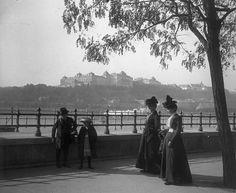 Budapest, V. Belgrád (Ferenc József) rakpart, látkép a Királyi Palotával.