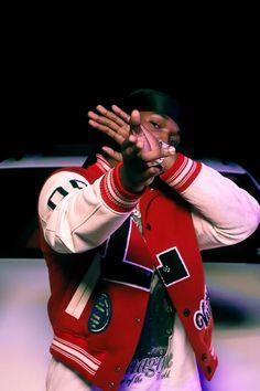 Rapper Wallpaper Iphone, Smoke Wallpaper, Hype Wallpaper, Iphone Wallpaper Tumblr Aesthetic, Film Aesthetic, Red Aesthetic, Aesthetic Pictures, Badass Aesthetic, Hip Hop Playlist