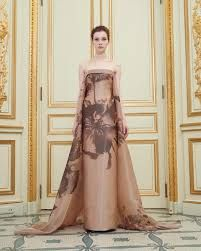 See all the pictures from the Rami Al Ali Spring 2016 Haute Couture collection showcased at Paris Fashion Week. Rami Al Ali, Fashion Week Paris, Couture Mode, Couture Fashion, Stunning Dresses, Beautiful Gowns, Pretty Dresses, Couture Dresses, Women's Fashion Dresses