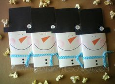 Cute popcorn wrapper for Christmas! Great for friends, neighbors, teachers, co-workers!