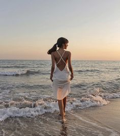 Find images and videos about girl, fashion and style on We Heart It - the app to get lost in what you love. Summer Dress Outfits, Summer Aesthetic, Tumblr Fashion, Girl Inspiration, One Piece Dress, Beach Photography, Spring Summer Fashion, Outfit Of The Day, Fashion Online