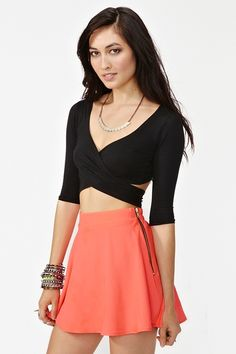 really love this crop top, it would look great with a maxi skirt! probably would be an easy diy, dontcha think?