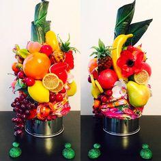 DIY - HOMEMADE - HOW TO : Carmen Miranda Tutti Frutti Hat Havana Nights Party Theme, Havana Party, Purim Costumes, Mardi Gras Costumes, Tropical Bridal Showers, Tropical Party, Carmen Miranda Kostüm, Nutrition Month Costume, Rio Party