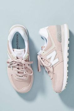 Shop Women's New Balance Pink Gray size Sneakers at a discounted price at Poshmark. Description: Barely worn light pink new balance sneakers size Sold by Fast delivery, full service customer support. New Balance Pink, Style New Balance, New Balance Women, New Balance Sneakers, New Balance Shoes, New Balance Outfit, Sneakers Fashion, Fashion Shoes, Pink Sneakers