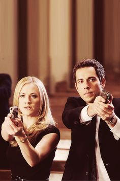 chuck & sarah.. I so miss this show.